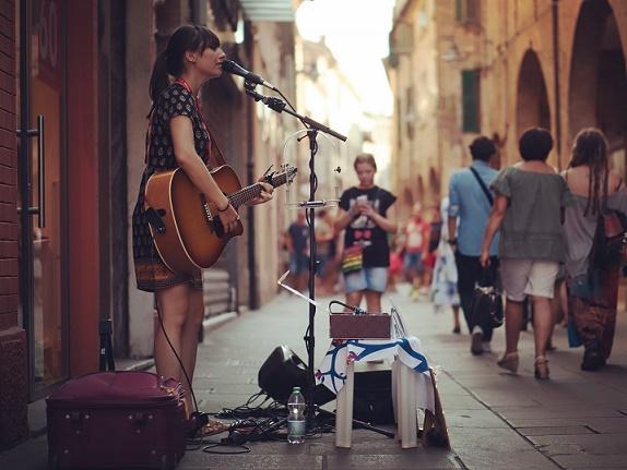 (Ferrara Buskers Festival, August 2016)